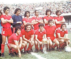INDEPENDIENTE-CAMPEON-DEL-MUNDO-1973